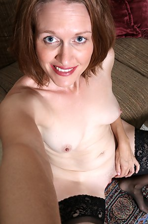 Free MILF Selfshot Porn Pictures