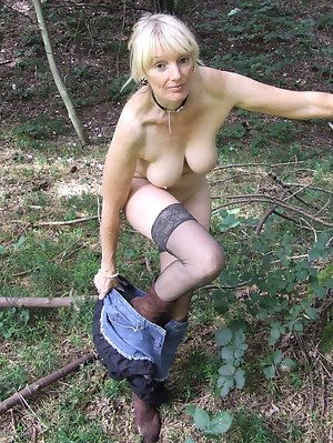 Sexy Outdoor Milfs Adult